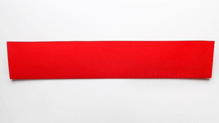 Красная полоска бумаги